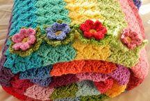 Coperta arcobaleno con fiori