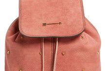 mochilas rosadas y nude