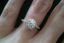 Dream Bling Bling! / We all dream of the day we get engaged. This is my ideal engagement ring! :)