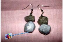 Orecchini / Vari tipi di orecchini realizzati con vari materiali