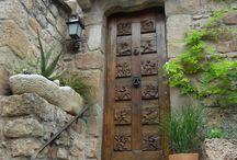 Doors / .