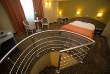 Hotel Vega / Hotel Vega, din Galati, complet renovat si redecorat in 2015, este un spatiu care da valoare timpului petrecut, un loc incarcat de caldura si luminat de valurile Dunarii albastre, o locatie ideala pentru petrecerea timpului liber, cat si pentru calatoriile de afaceri.
