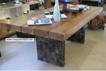 mesa de tablones / mesa de tablones de madera antigua y patas de piedra volcánica.  producto ecológico