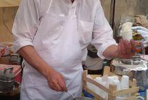 """Carapigna / In Sardegna uno degli ultimi carapigneri, i dolciai che preparano la granita a mano utilizzando le antiche tecniche arabe! Graziano Pranteddu vive a Tuili, in Sardegna, ed è un """"carapigneri"""". Produce cioè la Carapigna, un prodotto tipico della tradizione dolciaria sarda. """"Si tratta di una granita al limone soffice come la neve, di origine araba, che arrivò in Sardegna diversi secoli fa durante la dominazione spagnola. http://stilenaturale.com/news/209/granite-storiche-biologiche.html"""