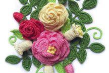 Tığ işi çiçekler