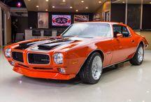 v8  car '