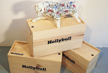 Hollybull 1 PROYECTO / 33 ARTISTAS / 330 PIEZA  by Lafabricadeporcelana / creation · art gallery · culture · exhibition · art · ceramics · decoration · art collection · porcelain