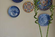 Piatti in ceramica appesi