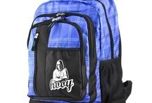 Plecaki / Świetne, kolorowe plecaki o niepowtarzalnych krojach. Są odpowiednio wymodelowane i mają liczne dodatkowe kieszenie.