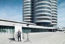 50 Jahre Lindner - EINE REISE / 2015 packt die Lindner Group gemeinsam mit Kunden, Partnern, Mitarbeitern und Weggefährten ihre Koffer und begibt sich auf eine Reise durch 50 erfolgreiche Jahre. Anlässlich des Firmenjubiläums blickt das Unternehmen auf wegweisende Projekte, entscheidende Plätze, Produktklassiker, gemeisterte Herausforderungen und Meilensteine zurück.