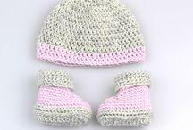 Háčkované súpravy, čižmičky, čiapky pre novorodencov - zima / Zimné vecičky pre novorodencov z prírodných materiálov. Crocheting winter clothing for babys from silky and quality natur material.