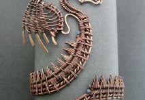 Metallilankakoruja / Koruja muista metalleista (kuin hopeasta)