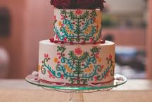 Delicious Desserts / A wedding is not complete without a deliciously fabulous cake!