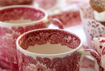 Red and white crockery and stuff to love / Crocks and toile