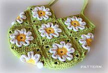 Crochet: bags & purses / by Ana Evamarc