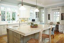 Kitchen / by Lydia Bouck