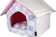 Parisian Pet® Foldable Houses / Our pet houses will be your pet's favorite hideaway. They are soft yet sturdy, warm and comfortable.