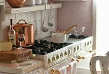 Dollhouse kitchen.