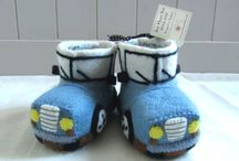 Sew Heart Felt England / Sew Heart Felt slippers created by shaping organic wool with soap, water and hand pressure.