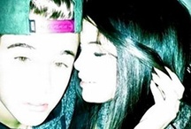 Selena Gomez and Justin Bieber kissing
