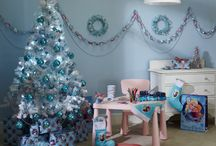 Disney Frozen Christmas / These Christmas gifts and decorations are perfect for any Disney 'Frozen' film fans!