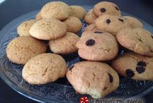 Κουλουράκια-Μπισκότα-Κουραμπιέδες-Μελομακάρονα