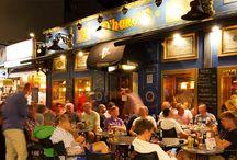 O'Hara's Irish Pub & Australian Boulevard / Nuestros dos pubs recrean perfectamente los pubs irlandeses y australianos, y en ellos se pueden disfrutar las mejores cervezas, partidos en directo de tus deportes preferidos y música en directo.