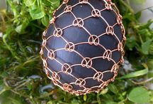 easter eggs decorated with wire