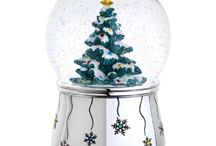 Snow Globes & Water Globes