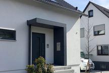 drzwi wejściowe wejście do budynku