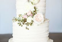 Summer Wedding Cakes / For ideas and inspiration on wedding cake designs that are uber popular for summer planned weddings.