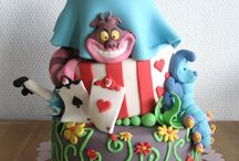 cake decorating / by meaghan lockwood