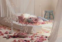 Lakberendezési ötletek / Így dekoráld romantikusra az otthonotokat