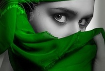 EMERALD color...LOVE! / by Annia Corpas