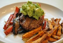 Food/Clean Eating Recipes / by Heather Watts
