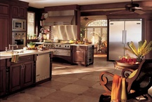 Kitchens / by Rebecca Ward
