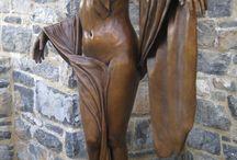 modern sculpture - women II