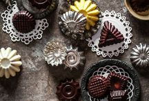 Baking / Baking tools and tins, bowls, ingredients, vintage kitchen tools and beautiful baking-related photography.