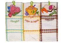 Bucatarie - Casa Alessia / Bucataria este sufletul oricarei case. Va oferim o gama rafinata de accesorii: prosoape, cosulete paine, saculeti textile personalizate, borcane si castroane, manusi, servete, sorturi, covorase bucatarie, ceasuri de bucatarie si alte accesorii de bucatarie. Descopera si tu noile produse http://www.casa-alessia.ro/bucatarie !