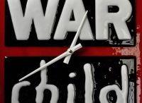War Child / Kinderen horen niet thuis in oorlog. Nooit. Ze hebben het recht op te groeien in vrede. Zich op een gezonde manier te ontwikkelen, in een veilige omgeving. Te worden wie ze willen zijn. Kinderen die opgroeien tot evenwichtige volwassenen, zijn later beter in staat conflicten te voorkomen of op te lossen. Die generatie vormt de hoeksteen van een toekomst in vrede. Die generatie heeft vrienden nodig. War Child wil ze die vriendschap bieden, samen met onze Friends