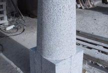 Palisaden, Säulen, Pfosten, Zaunpfosten, Stelen aus Granit und anderen Natursteinen / Firma B&M GRANITY bietet auch unterschiedliche Palisaden, Säulen, Stelen, Pfosten aus Granit, Sandstein, Serpentin und anderen Natursteinen aus Polen und Schweden…Granit-Palisaden, Granit-Säulen, Granit-Stelen, Granit-Pfosten, Sandstein-Palisaden, Sandstein-Säulen, Sandstein-Pfosten, Sandstein-Stelen und Vieles mehr. Diese Natursteine sind frostbeständig.
