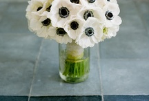 Wedding Flowers / Lots of inspiration for wedding flowers, bouquets, tables and more.