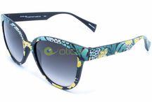 Eyeye / Marca da Italia Independent, Eyeye se destaca com óculos coloridos e resistentes.