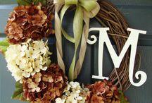 Monogram Wreaths / Door Wreath personalized with monogram initial letter