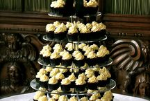 Wedding Cupcakes - Cream, Black and Gold / Wedding cupcake tower