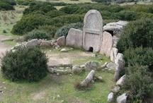 Monumenti, Paesaggi, Archeologia, Architettura in Sardegna / Le bellezze naturali unite al genio umano creano dei paesaggi unici e mozzafiato.