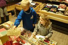 Julehuset i Florø. / Julehuset i Florø er eit arrangement som går over 14 dagar i adventstida. Er ope for alle og har kanskje den mest innhaldsrike juleberkstaden i landet.