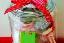 Gift Ideas / by Nikki Monet
