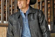 Men's Outerwear / From top quality leather jackets to heavy-duty work coats, and vests.  STS Ranchwear strives to meet your ranching outdoor needs.  When your working long hours on the farm or ranch in relentless elements, the last thing you need to worry about is your clothing... that's where STS comes in.
