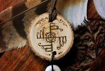 Viking (amulety, přívěsky,...)